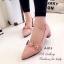 รองเท้าคัทชู หัวแหลม หนังกลับ คาดดอกไม้ (สีชมพู ) thumbnail 2