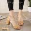 รองเท้าส้นตันรัดข้อสีครีม สักหราดนิ่ม สายคาดหน้าแต่งโซ่ทอง (สีครีม )