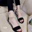 รองเท้าส้นเตี้ยรัดข้อสีดำ มีสายมุกรัดข้อปรับระดับ (สีดำ ) thumbnail 1