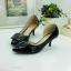 รองเท้าคัทชู เว้าข้าง ทำจากพียูแก้ว (สีดำ ) thumbnail 4