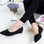 รองเท้าคัทชูส้นเตี้ย หัวแหลม งานปักลาย (สีดำ )