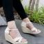 รองเท้าส้นเตารีด ส้นโอ่ง แบบตะขอเกี่ยว (สีครีม ) thumbnail 1