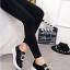 รองเท้าผ้าใบผู้หญิง ทรงมัฟฟิน สไตล์MiuMiu (สีดำ ) thumbnail 3