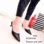 รองเท้าส้นสูงหัวแหลมสีดำ เปิดส้น แต่งหมุด (สีดำ )