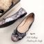 รองเท้าส้นแบน หุ้มส้น ลายดอกไม้วินเทจ (สีดำ ) thumbnail 2