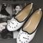 รองเท้าคัทชูส้นเตี้ย ปักนาฬิกา (สีขาว ) thumbnail 1