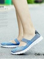 รองเท้าผ้าใบแฟชั่น ผ้ายืดสาน พื้นหักงอได้ (สีฟ้า )